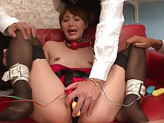 Three guys with vibrators make an asian girl cum tubes