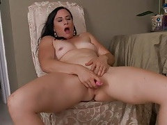 Naked glamorous milf vibrates her sexy pussy tubes