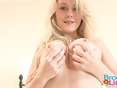 Hot young ass in a pair of sexy panties tubes