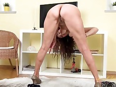 Masturbating mature chick with nice titties tubes