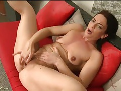 Solo small tits milf fingering her bald pussy tubes