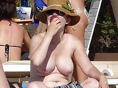 Big amateur tits are glorious on the beach tubes